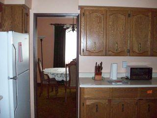 Photo 2: 601 DOUGLAS Street in Hope: Hope Center House for sale : MLS®# H1300022