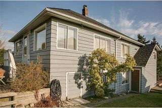 Photo 1: 1131 Cloverley Street in North Vancouver: Calverhall House for sale : MLS®# V990268