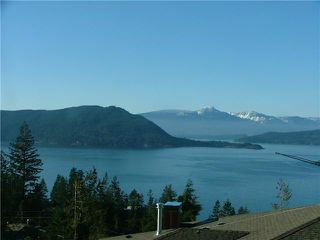 Main Photo: 8666 SEASCAPE DR in : Howe Sound Townhouse for sale : MLS®# V903269