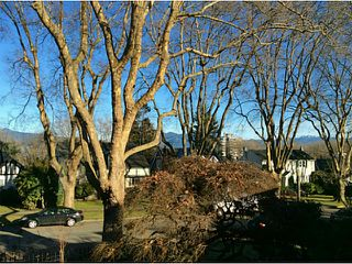 Photo 2: 3836 W BROADWAY ST in Vancouver: Point Grey House for sale (Vancouver West)  : MLS®# V1040544