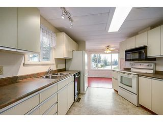 Photo 3: 113 15875 20TH Avenue in Surrey: King George Corridor Manufactured Home for sale (South Surrey White Rock)  : MLS®# F1405449