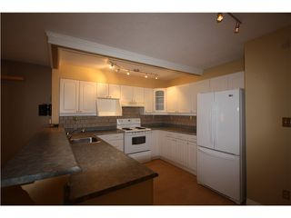 "Photo 3: 11 460 W 16TH Avenue in Vancouver: Cambie Townhouse for sale in ""Cambie Square"" (Vancouver West)  : MLS®# V1054620"