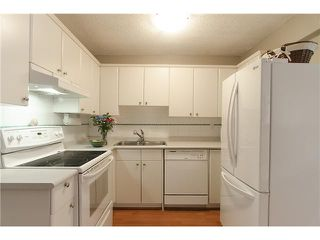Photo 5: 279 BALMORAL Place in Port Moody: North Shore Pt Moody Townhouse for sale : MLS®# V1055065