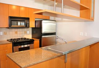 "Photo 2: 1006 1438 RICHARDS Street in Vancouver: Yaletown Condo for sale in ""AZURA"" (Vancouver West)  : MLS®# V1055903"