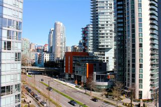"Photo 10: 1006 1438 RICHARDS Street in Vancouver: Yaletown Condo for sale in ""AZURA"" (Vancouver West)  : MLS®# V1055903"