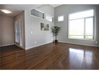 Photo 3: 217 1905 27 Avenue SW in CALGARY: South Calgary Townhouse for sale (Calgary)  : MLS®# C3619773