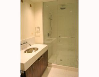 """Photo 4: 1011 788 RICHARDS Street in Vancouver: Downtown VW Condo for sale in """"L'HERMITAGE"""" (Vancouver West)  : MLS®# V1070405"""