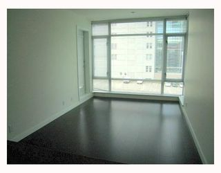 """Photo 6: 1011 788 RICHARDS Street in Vancouver: Downtown VW Condo for sale in """"L'HERMITAGE"""" (Vancouver West)  : MLS®# V1070405"""