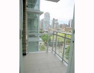 """Photo 2: 1011 788 RICHARDS Street in Vancouver: Downtown VW Condo for sale in """"L'HERMITAGE"""" (Vancouver West)  : MLS®# V1070405"""