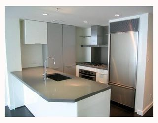 """Photo 3: 1011 788 RICHARDS Street in Vancouver: Downtown VW Condo for sale in """"L'HERMITAGE"""" (Vancouver West)  : MLS®# V1070405"""