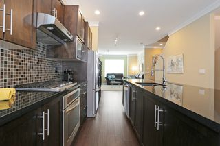 """Photo 6: 33 3009 156TH Street in Surrey: Grandview Surrey Townhouse for sale in """"KALLISTO"""" (South Surrey White Rock)  : MLS®# F1444540"""