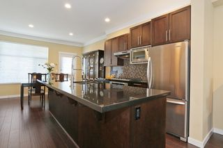 """Photo 8: 33 3009 156TH Street in Surrey: Grandview Surrey Townhouse for sale in """"KALLISTO"""" (South Surrey White Rock)  : MLS®# F1444540"""