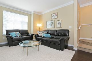 """Photo 3: 33 3009 156TH Street in Surrey: Grandview Surrey Townhouse for sale in """"KALLISTO"""" (South Surrey White Rock)  : MLS®# F1444540"""