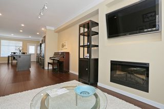 """Photo 4: 33 3009 156TH Street in Surrey: Grandview Surrey Townhouse for sale in """"KALLISTO"""" (South Surrey White Rock)  : MLS®# F1444540"""