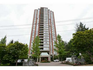 "Photo 1: 404 6888 STATION HILL Drive in Burnaby: South Slope Condo for sale in ""SAVOY CARLETON"" (Burnaby South)  : MLS®# V1140182"