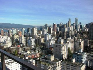 """Photo 13: 1905 2055 PENDRELL Avenue in Vancouver: West End VW Condo for sale in """"PANORAMA PLACE"""" (Vancouver West)  : MLS®# R2037252"""