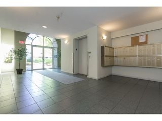 "Photo 18: 211 33718 KING Road in Abbotsford: Poplar Condo for sale in ""College Park"" : MLS®# R2060249"