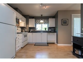 "Photo 10: 211 33718 KING Road in Abbotsford: Poplar Condo for sale in ""College Park"" : MLS®# R2060249"
