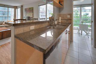 "Photo 2: 602 939 HOMER Street in Vancouver: Yaletown Condo for sale in ""PINNACLE"" (Vancouver West)  : MLS®# R2065110"