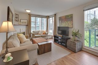 "Photo 1: 602 939 HOMER Street in Vancouver: Yaletown Condo for sale in ""PINNACLE"" (Vancouver West)  : MLS®# R2065110"