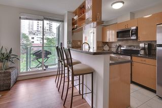 "Photo 5: 602 939 HOMER Street in Vancouver: Yaletown Condo for sale in ""PINNACLE"" (Vancouver West)  : MLS®# R2065110"