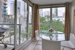 "Photo 3: 602 939 HOMER Street in Vancouver: Yaletown Condo for sale in ""PINNACLE"" (Vancouver West)  : MLS®# R2065110"