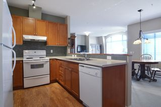 "Photo 3: PH18 8880 202 Street in Langley: Walnut Grove Condo for sale in ""The Residence"" : MLS®# R2068564"