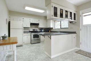 """Photo 6: 7840 227 Crescent in Langley: Fort Langley House for sale in """"FOREST KNOLLS"""" : MLS®# R2153173"""