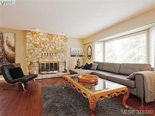 Photo 2: 1532 KENMORE Rd in VICTORIA: SE Gordon Head Single Family Detached for sale (Saanich East)  : MLS®# 759808