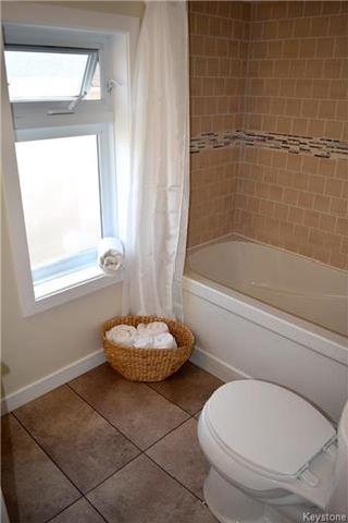Photo 9: 428 Inglewood Street in Winnipeg: St James Residential for sale (5E)  : MLS®# 1722498