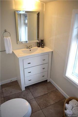 Photo 8: 428 Inglewood Street in Winnipeg: St James Residential for sale (5E)  : MLS®# 1722498