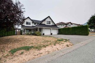 """Photo 2: 46774 BRAESIDE Avenue in Sardis: Promontory House for sale in """"PROMONTORY HEIGHTS"""" : MLS®# R2201975"""