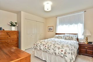 """Photo 15: 22 14877 33RD Avenue in Surrey: King George Corridor Townhouse for sale in """"Sandhurst"""" (South Surrey White Rock)  : MLS®# R2206509"""