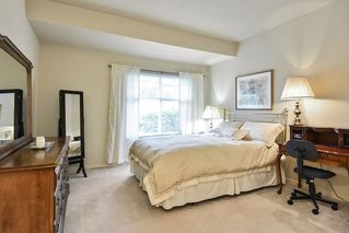 """Photo 12: 22 14877 33RD Avenue in Surrey: King George Corridor Townhouse for sale in """"Sandhurst"""" (South Surrey White Rock)  : MLS®# R2206509"""