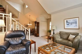 """Photo 3: 22 14877 33RD Avenue in Surrey: King George Corridor Townhouse for sale in """"Sandhurst"""" (South Surrey White Rock)  : MLS®# R2206509"""