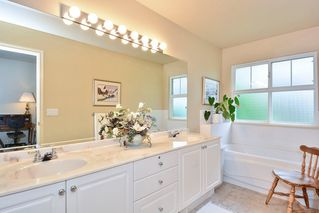 """Photo 13: 22 14877 33RD Avenue in Surrey: King George Corridor Townhouse for sale in """"Sandhurst"""" (South Surrey White Rock)  : MLS®# R2206509"""