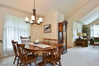 """Photo 4: 22 14877 33RD Avenue in Surrey: King George Corridor Townhouse for sale in """"Sandhurst"""" (South Surrey White Rock)  : MLS®# R2206509"""