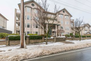 Main Photo: 210 46693 Yale Road in Chilliwack: Condo for sale : MLS®# r2231167