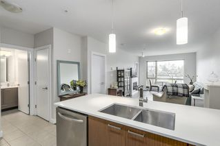 "Photo 4: 223 1330 MARINE Drive in North Vancouver: Pemberton NV Condo for sale in ""The Drive"" : MLS®# R2237176"