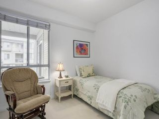 "Photo 14: 405 360 E 36TH Avenue in Vancouver: Main Condo for sale in ""MAGNOLIA GATE"" (Vancouver East)  : MLS®# R2244662"