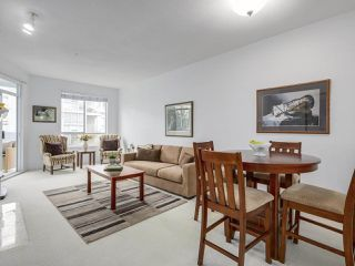 "Photo 6: 405 360 E 36TH Avenue in Vancouver: Main Condo for sale in ""MAGNOLIA GATE"" (Vancouver East)  : MLS®# R2244662"