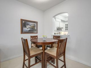 "Photo 7: 405 360 E 36TH Avenue in Vancouver: Main Condo for sale in ""MAGNOLIA GATE"" (Vancouver East)  : MLS®# R2244662"