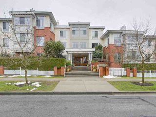"Photo 1: 405 360 E 36TH Avenue in Vancouver: Main Condo for sale in ""MAGNOLIA GATE"" (Vancouver East)  : MLS®# R2244662"