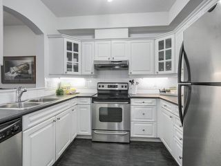 "Photo 3: 405 360 E 36TH Avenue in Vancouver: Main Condo for sale in ""MAGNOLIA GATE"" (Vancouver East)  : MLS®# R2244662"
