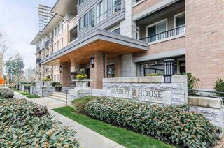 "Photo 1: 407 3107 WINDSOR Gate in Coquitlam: New Horizons Condo for sale in ""BRADLEY HOUSE AT WINDSOR GATE"" : MLS®# R2267847"
