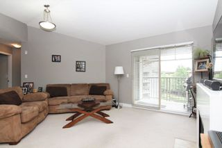 "Photo 3: 412 12248 224 Street in Maple Ridge: East Central Condo for sale in ""URBANO"" : MLS®# R2272183"