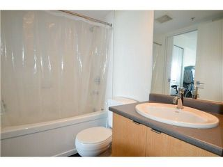 "Photo 10: 1105 7575 ALDERBRIDGE Way in Richmond: Brighouse Condo for sale in ""Ocean Walk"" : MLS®# R2274084"