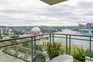 "Photo 1: 1501 1088 QUEBEC Street in Vancouver: Mount Pleasant VE Condo for sale in ""THE VICEROY"" (Vancouver East)  : MLS®# R2293774"