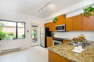 Photo 6: 527 ROCHESTER Avenue in Coquitlam: Coquitlam West Townhouse for sale : MLS®# R2317974
