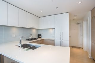 """Photo 7: 3903 1188 PINETREE Way in Coquitlam: North Coquitlam Condo for sale in """"M3"""" : MLS®# R2322872"""